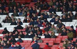 Lượng fan tới Emirates thấp kỷ lục ngày Arsenal đại thắng