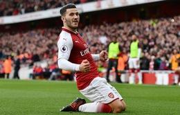 VIDEO Arsenal 2-1 Swansea: Tân binh siêu hời cứu rỗi Pháo thủ