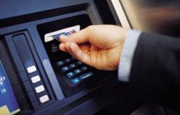 Tạm giữ hình sự người Trung Quốc dùng thẻ ATM giả chiếm đoạt tiền