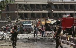 Đánh bom liều chết tại Afghanistan, 15 người thương vong