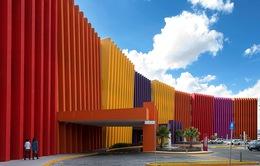 Độc đáo bệnh viện mang màu sắc rực rỡ và hình khối lạ mắt