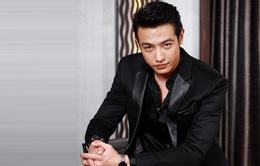 """Không chỉ các """"chị em"""", The Face Thái Lan còn có host nam cực điển trai"""