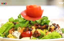 """Tự làm salad hạt óc chó """"đổi gió"""" cho bữa cơm gia đình"""