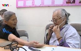 Gặp gỡ bác sĩ 25 năm khám bệnh từ thiện