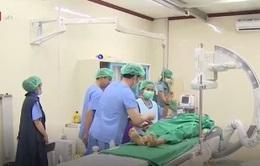 Chuyển giao kỹ thuật điều trị tim mạch cho bệnh viện của Lào