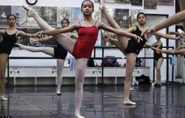 Ước mơ thành nghệ sĩ múa ballet của những trẻ em nghèo