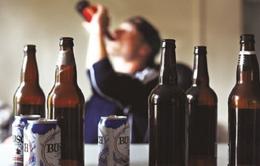 Xung quanh chuyện cấm bán rượu cho người dưới 18 tuổi