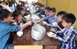 Yên Bái: Bắt hiệu trưởng, hiệu phó bán 6 tấn gạo của học sinh dân tộc bán trú