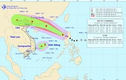 Bão Pakhar gây gió giật cấp 11, áp sát biển Đông