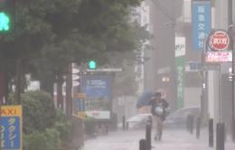 """Bão Lan """"oanh tạc"""", Nhật Bản khuyến cáo người dân sơ tán"""