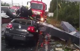 Bão mạnh bất ngờ tràn vào Romania, 8 người thiệt mạng