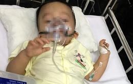 Bé trai 1 tuổi bị bạo hành ở Hà Nội xuất viện