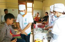 73 người ở Lào Cai bị ngộ độc sau khi ăn cỗ ở đám cưới