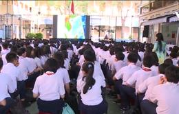 Tuyên truyền biển đảo cho học sinh vào buổi chào cờ