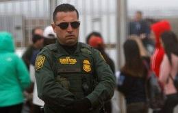 Tổng thống Mỹ hoãn ban hành sắc lệnh nhập cư mới