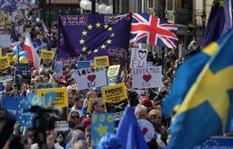 Hàng nghìn người dân Anh biểu tình phản đối Brexit