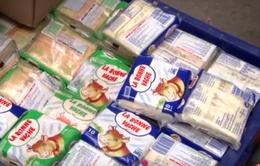 Hà Nội: Phát hiện 300kg phô mai, bơ đã hết hạn chưa được tiêu hủy