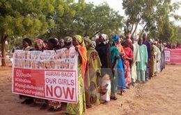 Boko Haram trả tự do hơn 80 nữ sinh Nigeria