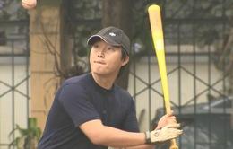 Bóng chày - môn thể thao thu hút người nước ngoài tại Việt Nam