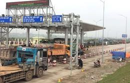 Phú Thọ: Hơn 40 xe chặn 2 đầu trạm thu phí BOT
