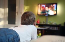 Trẻ  xem ti vi quá 3 giờ/ngày có nguy cơ mắc tiểu đường tuýp 2