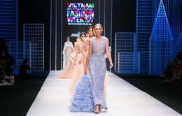 Tuần lễ thời trang quốc tế Việt Nam Xuân - Hè 2017: Lạc vào giới quý tộc với BST của NTK người Bồ Đào Nha