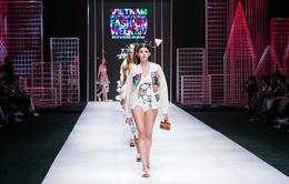 Devon Nguyễn dẫn dắt khán giả lạc vào chuyến phiêu lưu thú vị trong thời trang