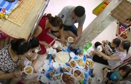 Ấm áp bữa cơm đầu năm tại Bệnh viện Ung bướu TP.HCM
