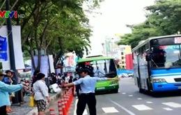 Hành khách lúng túng do di dời trạm xe bus Bến Thành