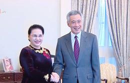 Chủ tịch Quốc hội hội kiến với Thủ tướng Singapore