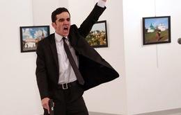 Ảnh chụp kẻ ám sát Đại sứ Nga tại Thổ Nhĩ Kỳ giành giải Nhất World Press Photo 2017
