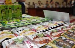 Campuchia tiêu hủy gần 100 tấn mỹ phẩm giả