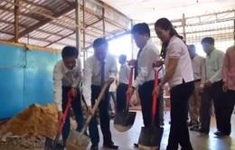 Hội người Việt tại Campuchia xây trường cho con em Việt kiều