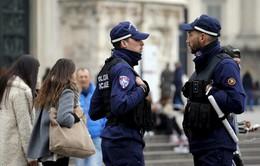 Italy bắt giữ băng nhóm in tiền giả