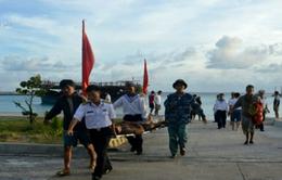 Bệnh xá đảo Sinh Tồn cấp cứu ngư dân bị đột quỵ