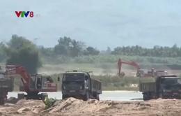 """""""Cuộc đua"""" khai thác, tận thu trước ngày Quảng Ngãi đóng cửa mỏ cát"""