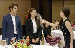 Tuổi thanh xuân 2 - Tập 29: Linh (Nhã Phương) bị sỉ nhục khi bạn gái Junsu (Kang Tae Oh) thẳng tay hất nước vào mặt