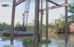Tháo dỡ cầu cũ, cầu mới ngừng thi công, người dân Cần Thơ gặp khó