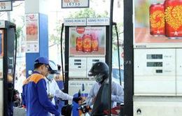 Hà Nội hoàn thành dán tem cây xăng chống thất thu thuế nhanh kỷ lục