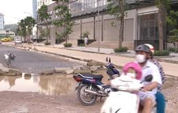 Hà Nội: Chung cư giá cao ngất ngưởng nhưng như... ốc đảo