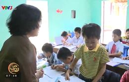 Lớp học tiếng Anh miễn phí của người giáo viên già
