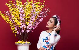 Ngắm bộ ảnh xuân của người đẹp không tuổi Việt Trinh