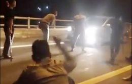Triệu tập các đối tượng chặn xe xin tiền trên đường cao tốc Nội Bài - Lào Cai
