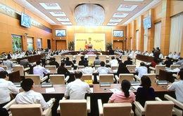 Nhiều vấn đề bức xúc được các đại biểu chất vấn Bộ trưởng Đào Ngọc Dung và Trương Minh Tuấn