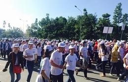 """Bình Dương: Hàng trăm người tham gia """"Cuộc chạy khẩn cấp"""" nhân ngày Nhà vệ sinh thế giới"""