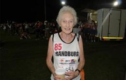 Cụ bà 85 tuổi nắm giữ 500 huy chương marathon