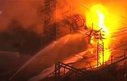 Nổ nhà máy điện tại Mỹ, 140.000 khách hàng bị ảnh hưởng