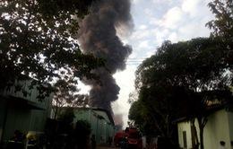 Cháy nhà kho chứa hóa chất rộng 500 m2 ở TP.HCM