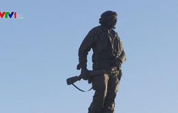 50 năm ngày Che Guevara hy sinh: Người anh hùng sống mãi!