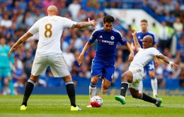 Bầy thiên nga gặp điềm gở ở Stamford Bridge, Chelsea mừng thầm
